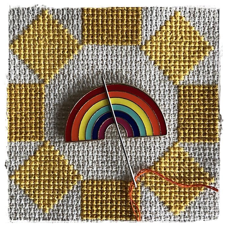 Magnetic Needle Minder Big Rainbow