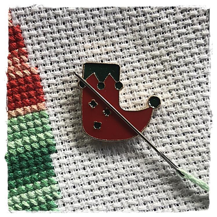 Magnetic Needle Minder Gnome Shoe