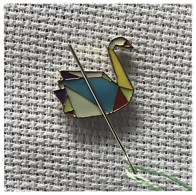 Magnetic Needle Minder Swan