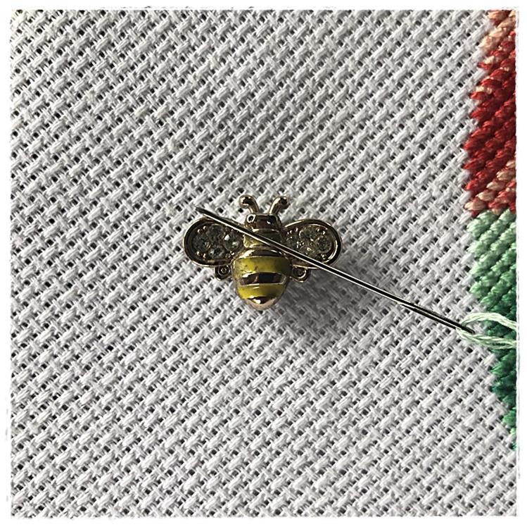 Magnetic Needle Minder Yellow Bee
